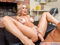 Stepmom Screw - VR Porn MILF Sex NaughtyAmericaVR Chad White Brandi Love vr porn video vrporn.com virtual reality