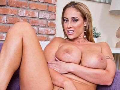 Baggin' The MILF - Big Tits Eva Notty