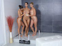 Shower Girls RealJamvr Violette Pure, Kristy Black, Paula Shy vr porn video vrporn.com virtual reality