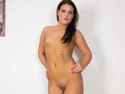 Vany Ully Casting - Hungarian Hot Babe Solo VR XXX