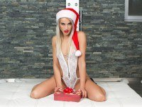 Christmas Gift RealJamvr Cherry Kiss vr porn video vrporn.com virtual reality