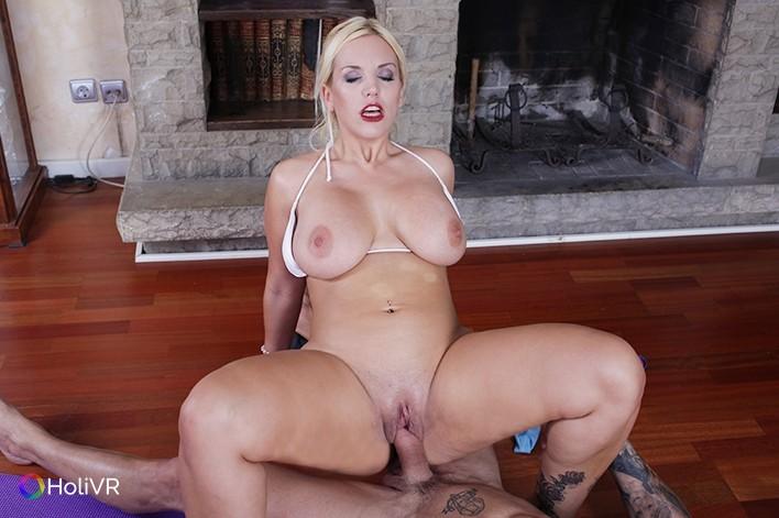 Blondie Hardcore Porn - ... Diet of Sex HoliVR Blondie Fesser vr porn video vrporn.com virtual  reality