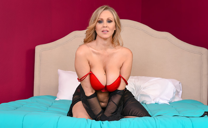 oh momma julia ann naughtyamericavr vr porn blog virtual reality