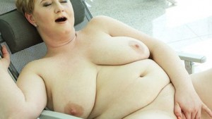 BBW Stepmom VirtualXPorn Silvana vr porn video vrporn.com virtual reality