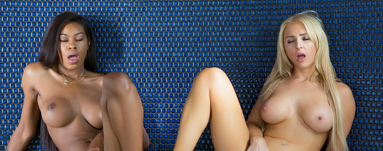 black girl, white girl - vr porn blog - vrporn