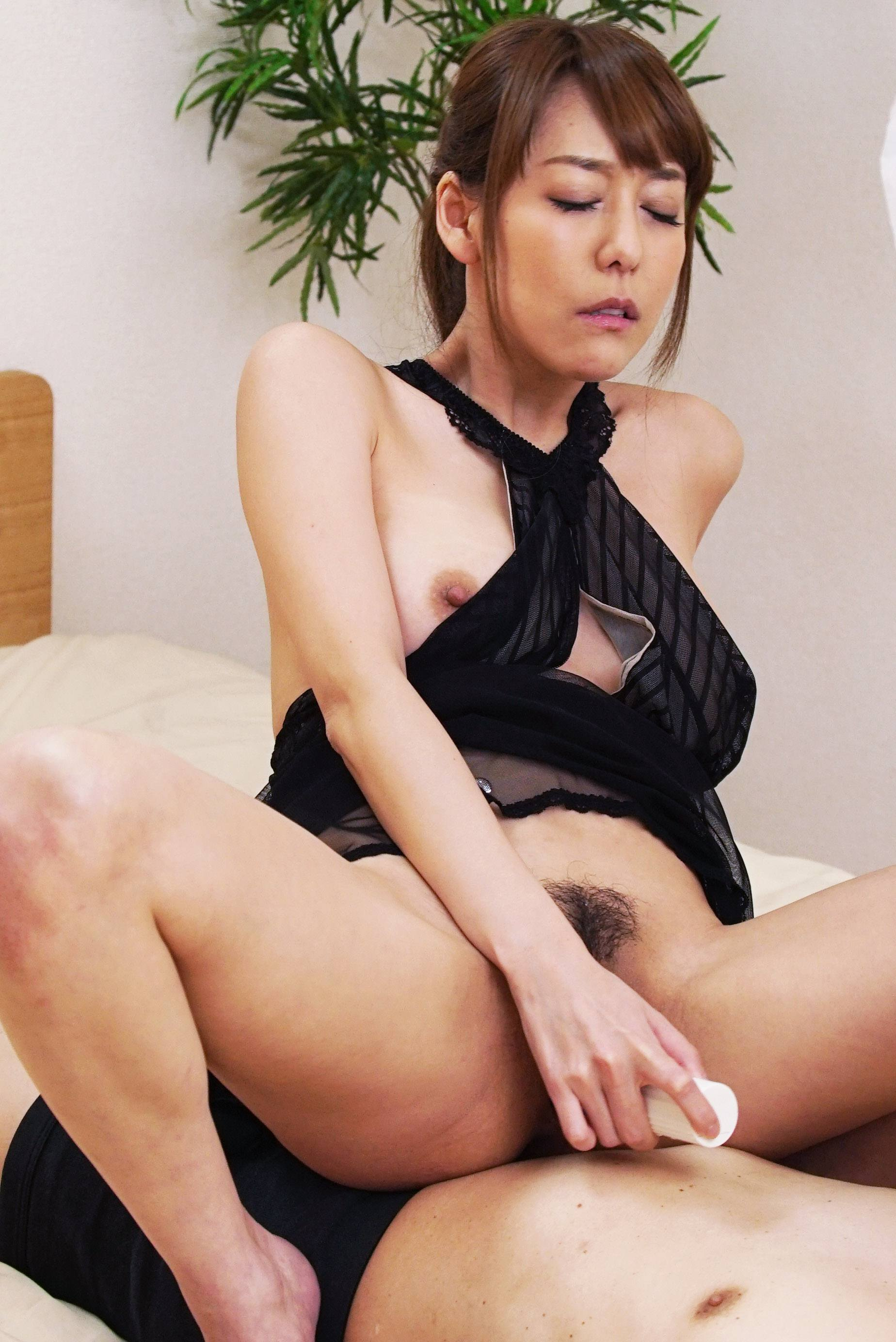 Squirting lover asagiri akari wants to make date with you 9