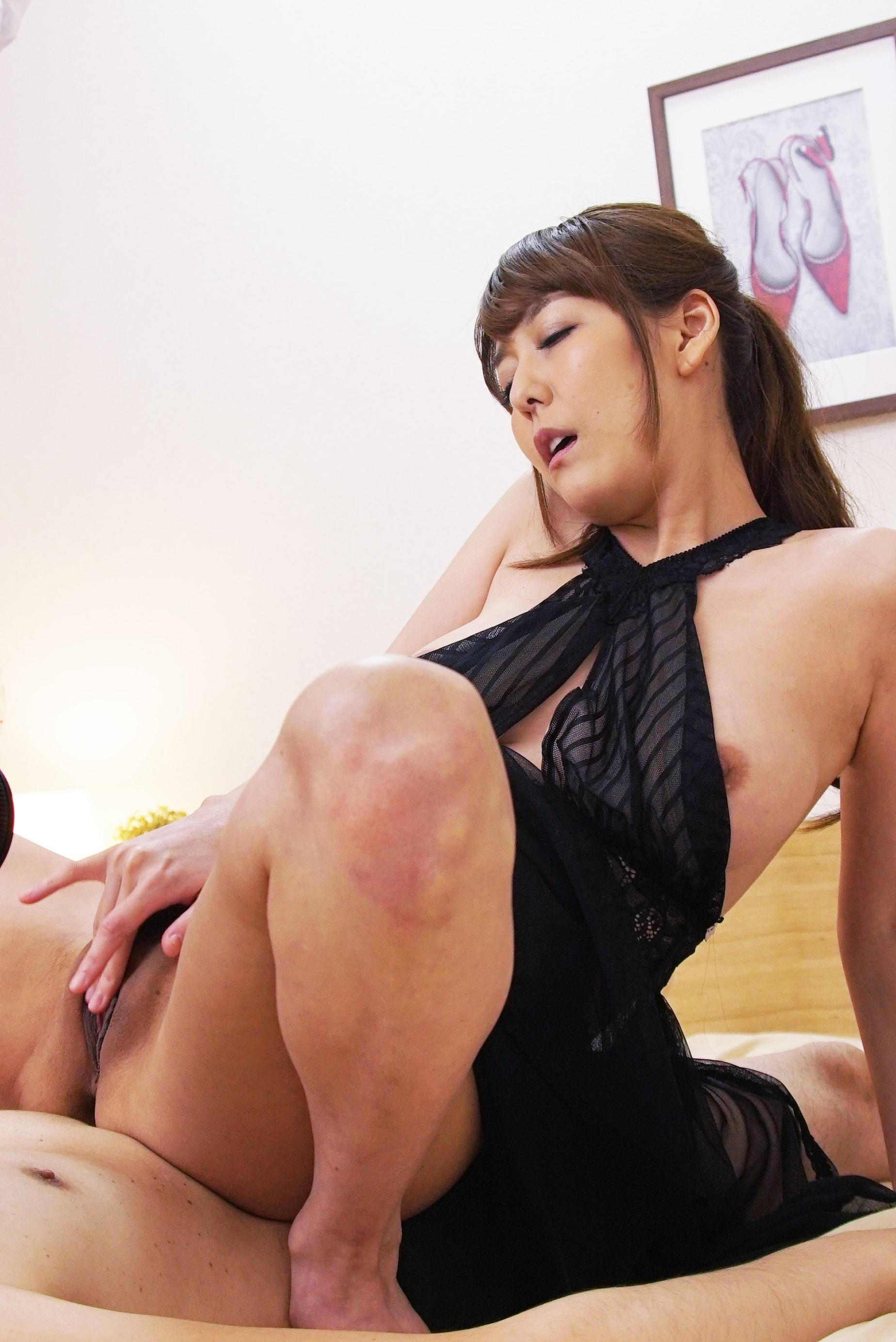 Squirting lover asagiri akari wants to make date with you 7
