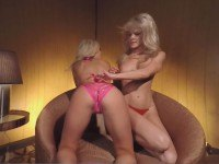 Alexis and Kyndall Topless Lapdance vrclubz Alexis Kyndall vr porn video vrporn.com virtual reality