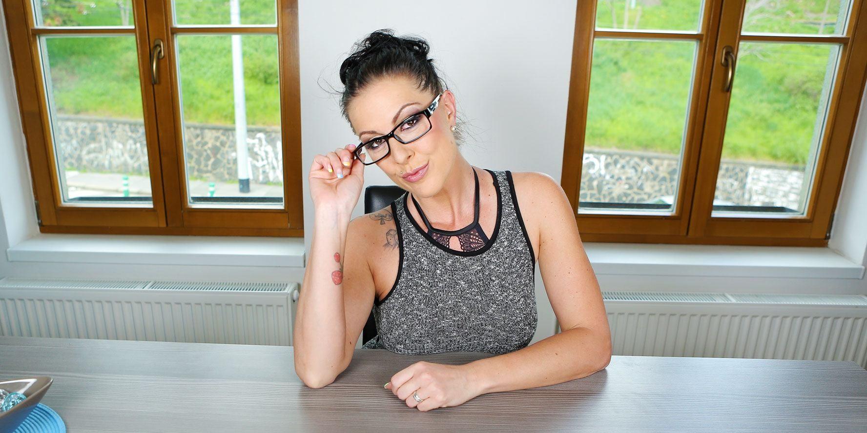 Aiden Starr Niki Dominick Juliette March Amateur Bondage Femdom