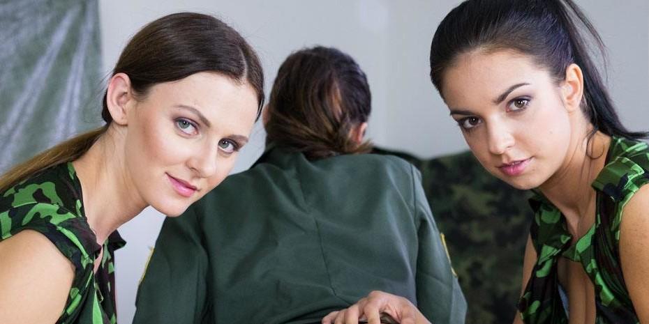 VR Porn Threesome Reviews: Army Lesbianism czechvr vr porn blog virtual reality