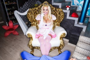 VR Porn Short Reviews: Super Mario Nails Princess Peach vrcosplayx vr porn blog virtual reality