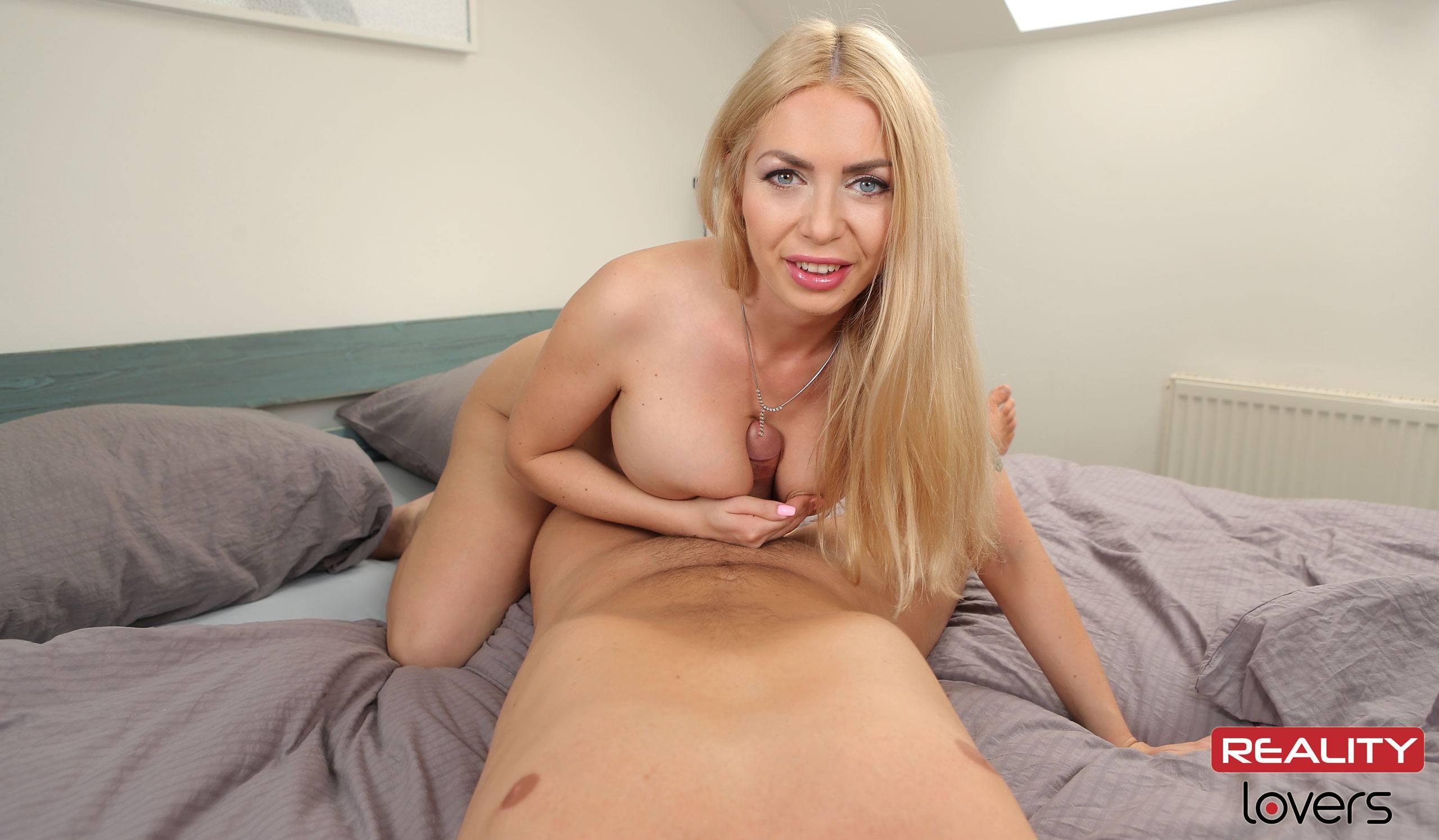 Isabella clark порно видео на улице