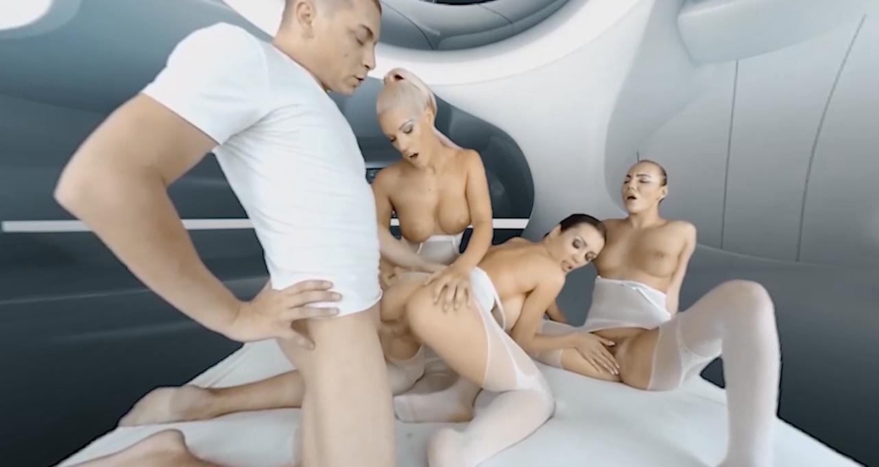 2017: Space Orgasm - Patty, Vanessa and Blanche XXX Threesome