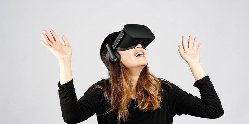 Oculus Files Patent for a Convertible HMD Powered by PC or Phone oculus.com vr porn blog virtual reality