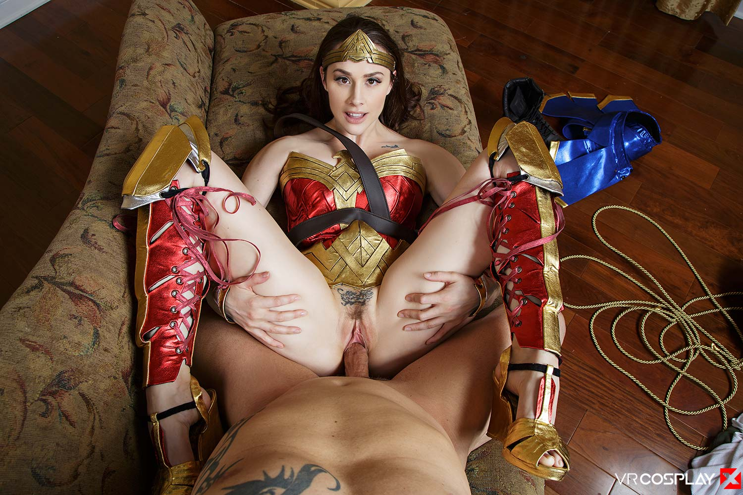 Has the wonder woman porn pipe Luna