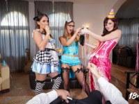 Cock Strikes Midnight 18VR Elena Vega Ellen Betsy Naomi Bennet vr porn video vrporn.com virtual reality