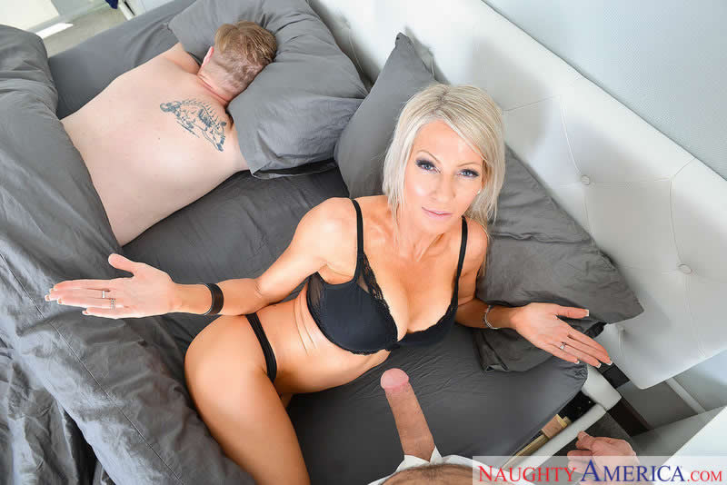 Have Wild Stepmom Sex in Virtual Reality naughtyamericavr vr porn blog virtual reality