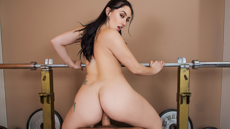 Triassalon Training - Big Booty Babe