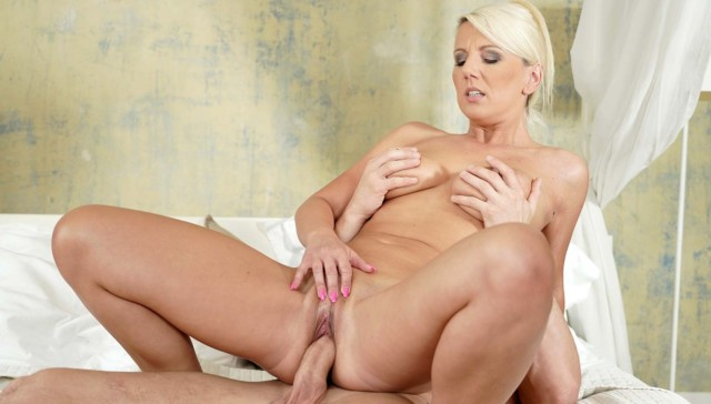 Naughty Stepmom Voyeur RealityLovers Luci Angel vr porn video vrporn.com virtual reality