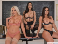 Classroom 2 NaughtyAmericaVR Diamond Kitty Nina Elle Tia Cyrus vr porn video vrporn.com virtual reality