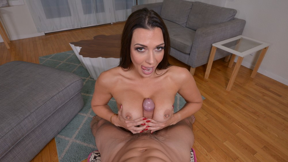 Rachel Starr Gives Zero Fucks If You Are Married