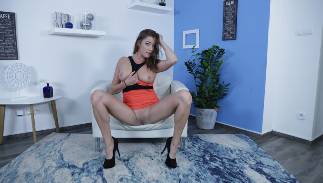 Mature Elisa Wants You To Cum With Her VReXtasy Elisa vr porn video vrporn.com virtual reality
