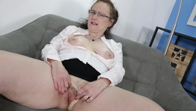 69 - Alice Sharp GranniesVR vr porn video vrporn.com virtual reality