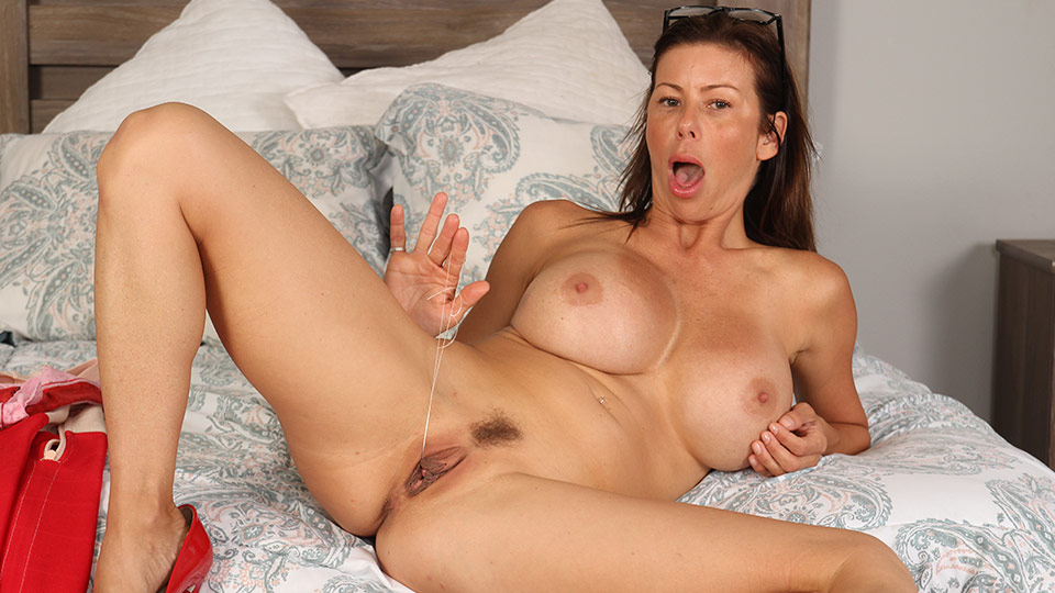 Alexis Fawx With Huge Breasts Gets So Much Pleasure In Her Pussy
